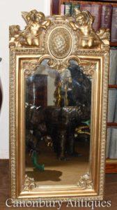 Französischer barocker vergoldeter Cherub Pier Spieg